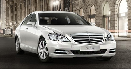 Mercedes-W221-white.jpg