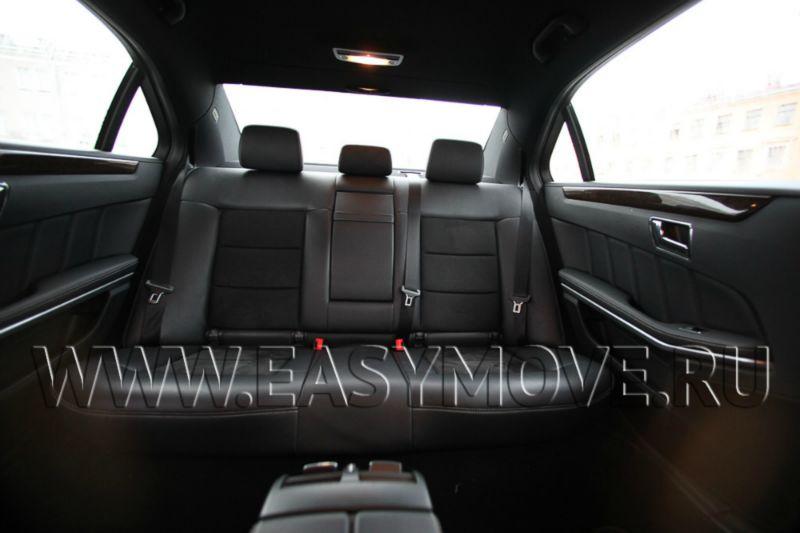 MERCEDES E class W212 белый рестайлинг 2015 год